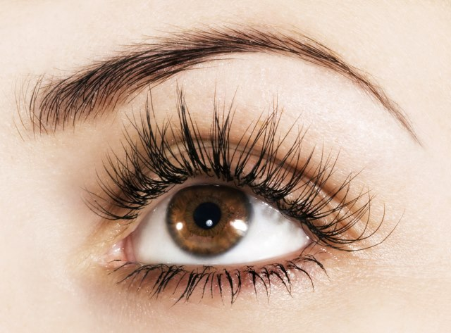 Maquillaje sencillo para ojos marrones, por @VanitasEspai